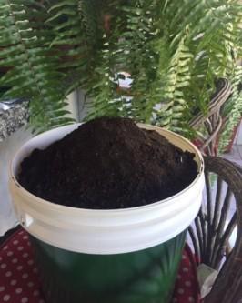Composto Orgânico c/húmus de minhoca 30 litros - Foto 1